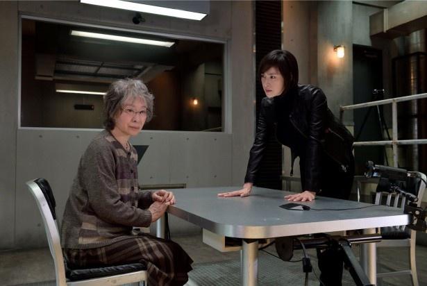 「緊急取調室」の第1話に大御所女優・三田佳子が登場! 天海祐希扮(ふん)する有希子も苦戦…
