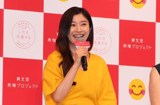 「表情や感情を表しすぎなタイプ」と、自身の性格を語った篠原涼子