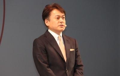 杉山繁和 代表取締役執行役員社長は「女性たちの表情がもっと美しく輝いてほしい」とメッセージを送った
