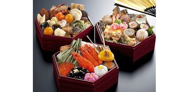 近畿日本ツーリストの人気商品は、京都「しょうざん」から届く風味豊かなおせち料理『湧泉閣』(1万5750円・送料込み)。限定550個