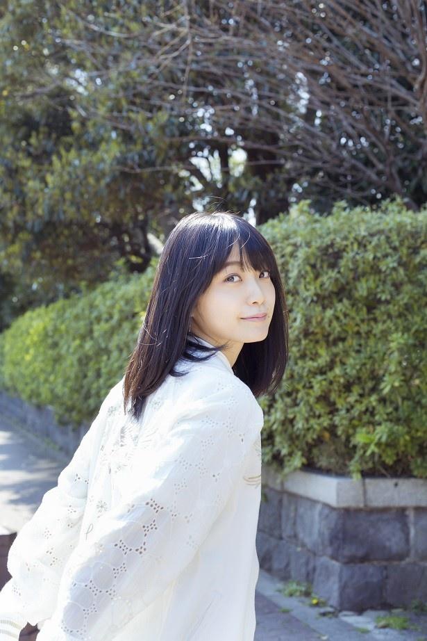 舞台「スキップ」で主演を務め、女優として本格始動の元乃木坂46・深川麻衣
