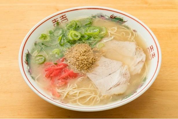 ラーメン(¥600)。40年以上変わらぬ味わい。チャーシューの肉は余分な脂身を丁寧に削ぎ落している