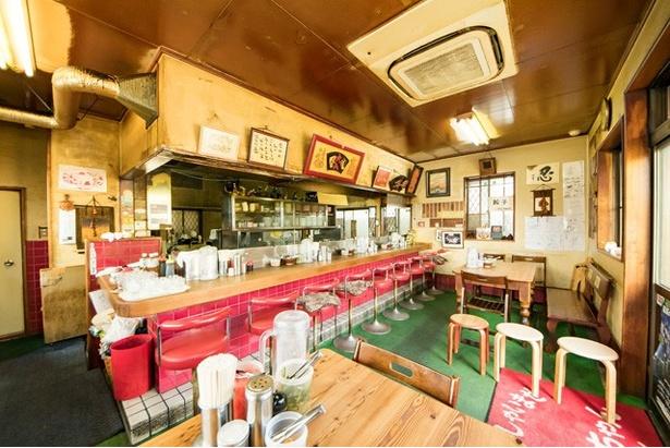昔ながらの食堂の雰囲気。家族連れにも人気