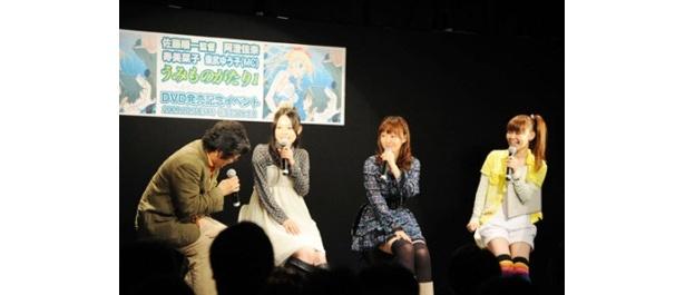 イベントに登場した佐藤順一監督、寿美菜子、阿澄佳奈、儀武ゆう子(写真左から)