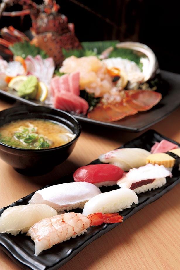 「鮮度抜群の寿司8貫盛り」 (手前・1188円)/おさかな番長 天満店