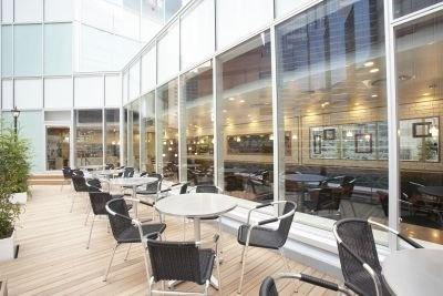 池袋の風景が一望できるオープンテラスのあるカフェも![4F]「cafe de Esola(カフェ・ドゥ・エソラ)」