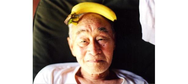 梅佳代3冊目となる写真集『じいちゃんさま』がついに発売。記念して名古屋では2度目の写真展を開催!