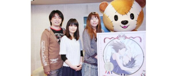 取材に応じた関智一、川澄綾子、今千秋監督(写真左から)