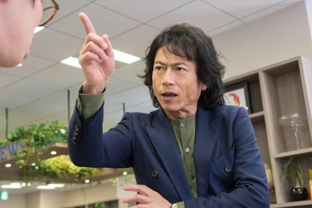 """三上は""""暴君""""ぶりを発揮する米巨大ネットショッピング会社AMCの日本法人社長・青井聡太を演じる"""