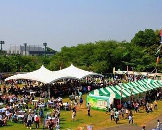 今年で7年目!大好評「全国ご当地大グルメ祭」が開催!※写真は去年の様子