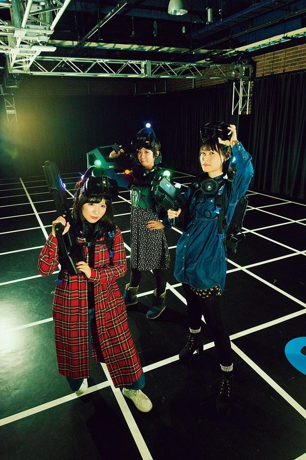 プレイヤーが能動的に動くことが出来るフリーロームで6人同時プレイが可能な東京ジョイポリスのVRアトラクション「ZERO LATENCY VR」