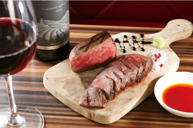 熟成神戸牛 カタマリ シキンボウ(100g/3500円)はナッツのような熟成香と脂の旨味が特徴