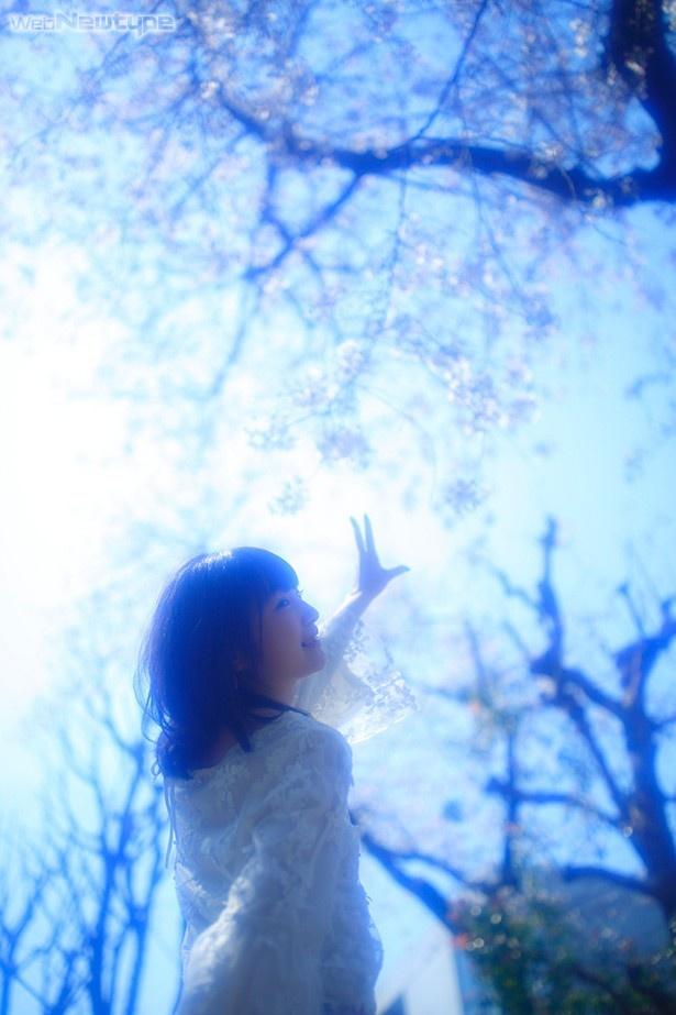 上田麗奈フォトコラム・並木道で感じた新しい季節の入り口