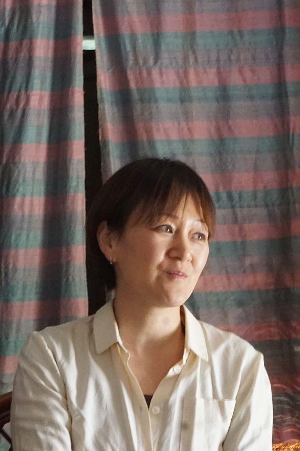"""ヨーロッパでの作家活動を経て現在は石垣島を拠点に活動している""""香りのアーティスト""""上田麻希さん"""