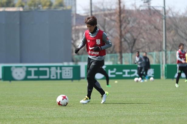 【写真を見る】トレーニングで汗を流す矢島慎也選手
