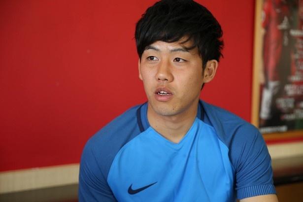 サッカー選手としての夢を語る遠藤航選手
