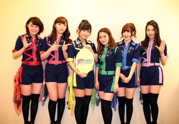 La PomPonのHINA、KAREN、KIRI、YUKINO、RIMA、MISAKI(左から)