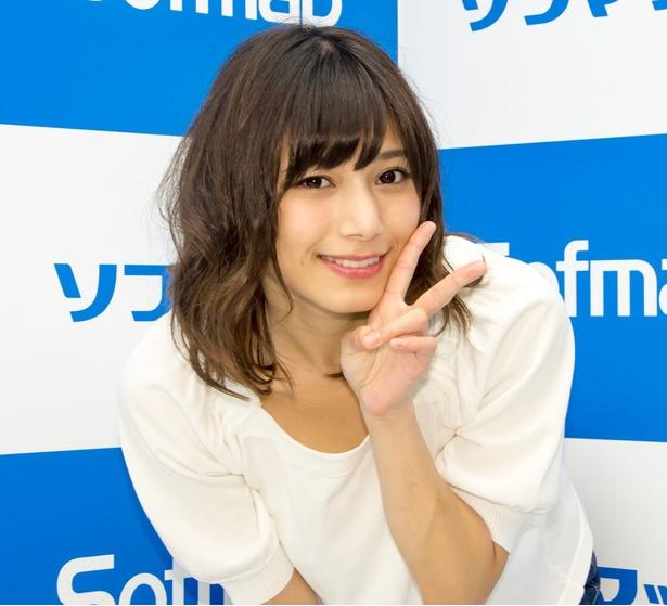 笑顔の菊池梨沙さん