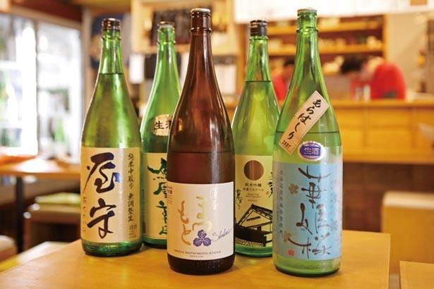 あらばしりや中取りなど希少な酒も多い。ほとんどが110ccで540円/日本酒とお万菜 じゃんけんポン