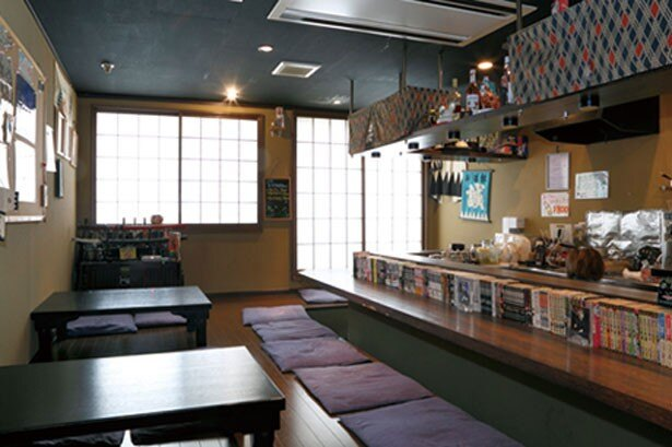 「幕末男装 CAFE&BAR 誠酒屋」の店内は和風茶屋の雰囲気