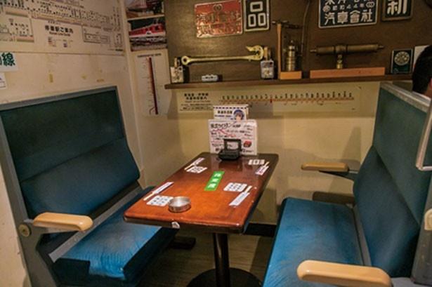 実際の電車で使用されていたボックスシートが客席の「鉄道居酒屋 LittleTGV」