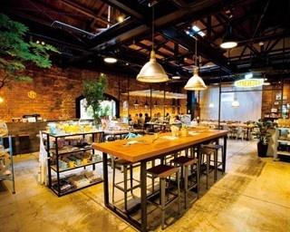 入口から見て、手前半分がショップゾーン。一番奥に、ゆったりとカフェや食事を楽しめる「ノースショア」がある/Goodays Department