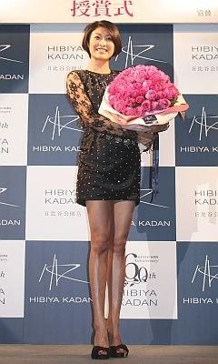クリスマスにバラの花束をもらったことは「ないです。さりげなく1本でも、大きな花束でも(プレゼントされたら)うれしい」