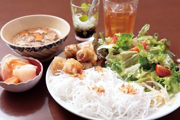 神戸観光】ナポリピザやベトナム料理も!北野エリアで食べたい