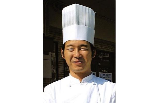 食べ比べをしてくれた「パティスリー アングレース」のパティシエ小田原益弘さん