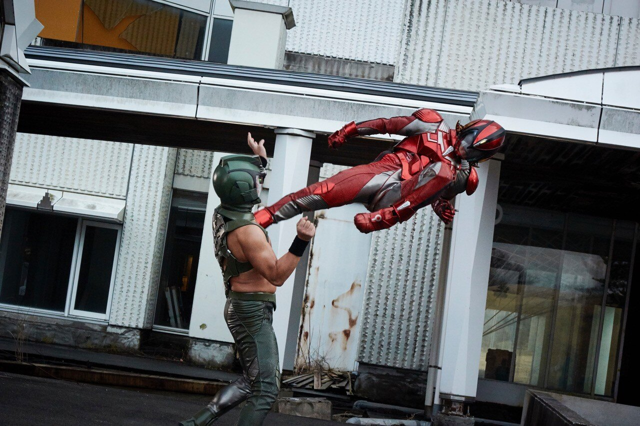 「難しいアクションにも自由なアイデアで挑まれている」と瀬下監督は『破裏拳ポリマー』の映像に興奮