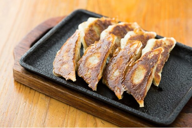 姫ぎょうざ(¥400)。中に貝が入りコリコリとした食感