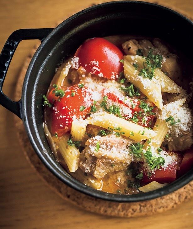 小型のストウブの鍋なら、ショートパスタも短時間で作れる!
