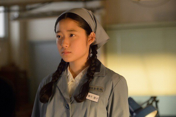 映画「ソロモンの偽証」で主演を務め、本作が連続ドラマ初レギュラーとなる藤野涼子