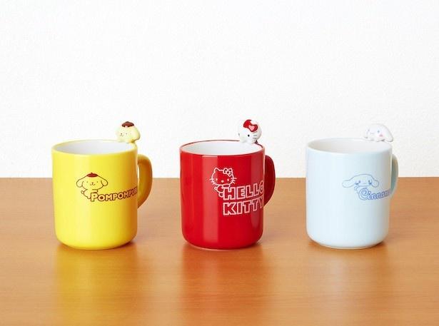 【写真を見る】キャラクターのちょこんとポーズがかわいいマグカップ!