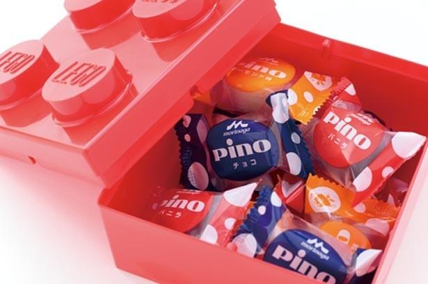 【ピノ・カート】スーベニア付きのPINOアイスが買えるのはパーク内でここだけ!「PINOアイス/スーベニア付」(10個入り1200円)。容器は持ち帰り可/レゴランド®・ジャパン