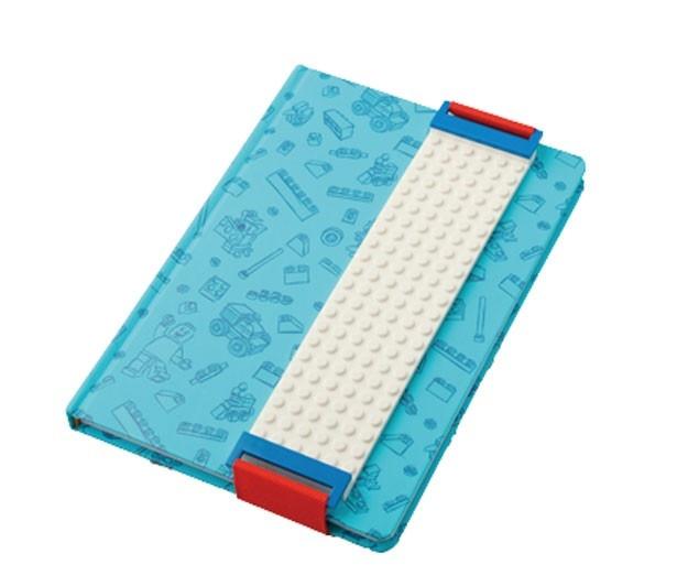 「レゴ®ノート」(2700円)。表紙にレゴ®ブロックのイラストが入ったノート。ブロックカバー付き/レゴランド®・ジャパン
