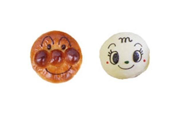 アンパンマン、メロンパンナちゃん各310円。好きなキャラクターのパンを見付けに行こう