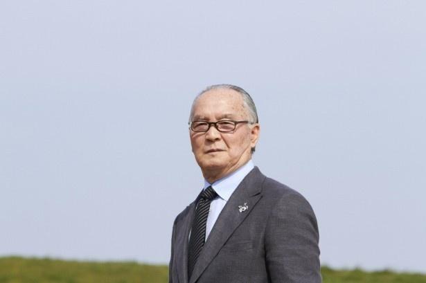 【写真を見る】電話越しにバットスイングの指導をした長嶋茂雄