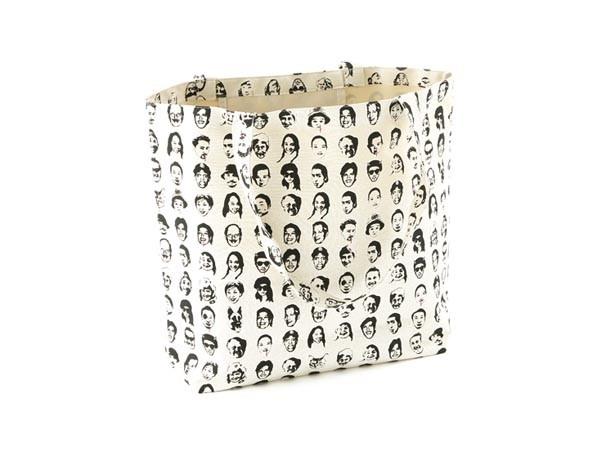 人気の「ASOKOオリジナルトートバッグ」(648円)/ASOKO 神戸ハーバーランドumie店