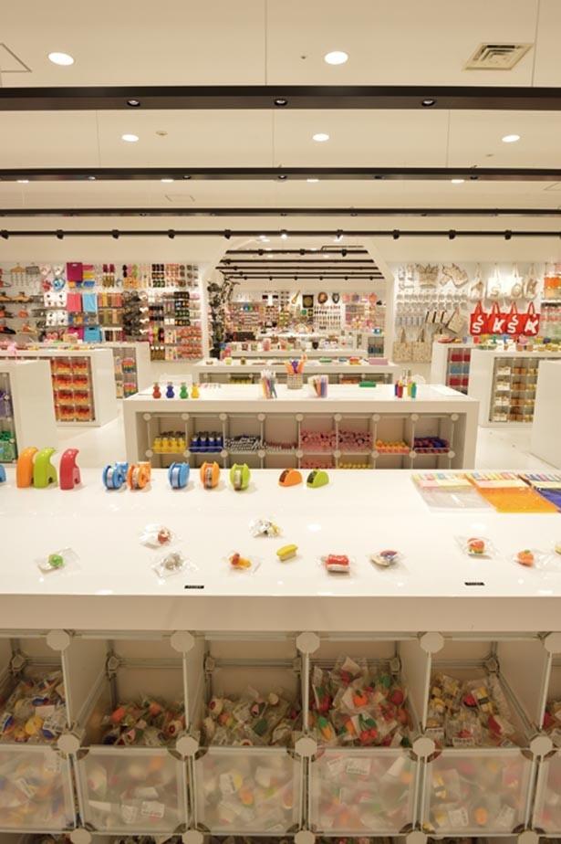 暮らしを楽しくするデザイン性の高いアイテムをセレクト/ASOKO 神戸ハーバーランドumie店