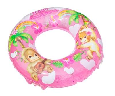 【浮き輪】かわいいデザインの浮き輪は、子供の身長などに合わせてサイズをチョイスしよう/須磨海水浴場