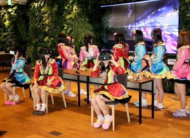 立花あんな、桜雪、黒瀬サラが「仮面女子 VR LIVE」を体感