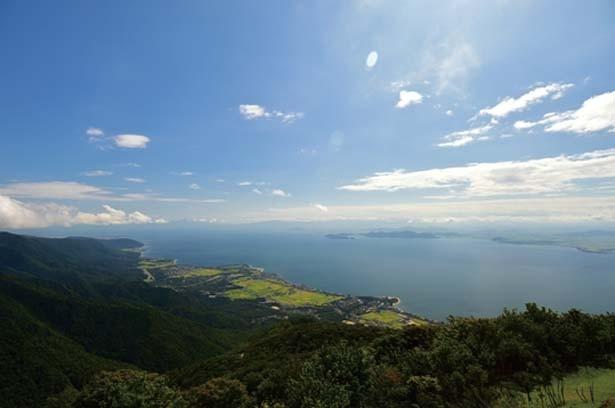 北側では比良山と北琵琶湖の共演が楽しめる /びわ湖テラス