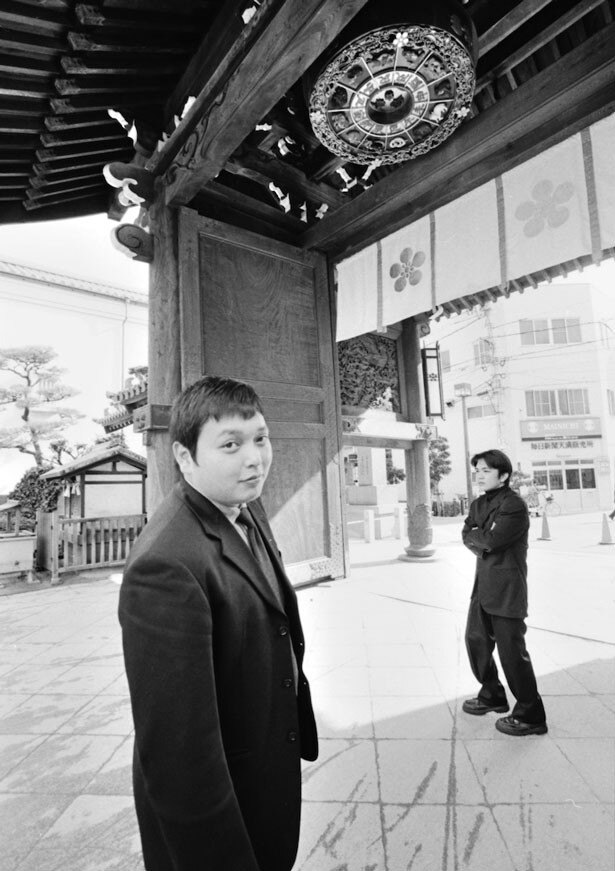 兄弟漫才コンビ中川家の剛(写真右)と礼二(左)
