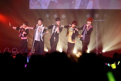 勇翔の「名古屋バージョンを今から歌うぜ!」のかけ声から「NAGOOOOOYA」がスタート