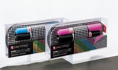 ペンケース/S(¥1890)には2色の「アクアテックツイン」が付いています