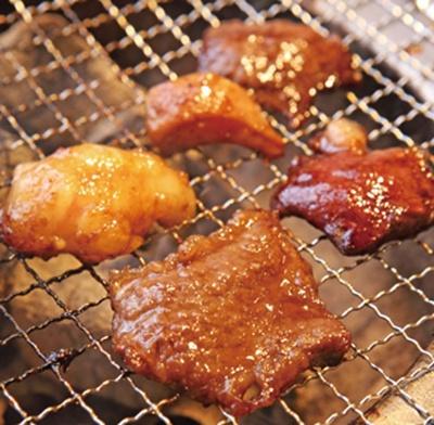 「五種盛り 精肉&ホルモンMIX」(1580円・税別)でサッと一杯/大衆立ち焼肉 さすらいのカンテキ 三ノ宮酒場