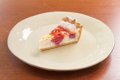 クリームチーズにベリーを合わせ焼き上げた「シャペロン」(594円)/FISH IN THE FOREST ~TOOTH TOOTH×そら植物園~
