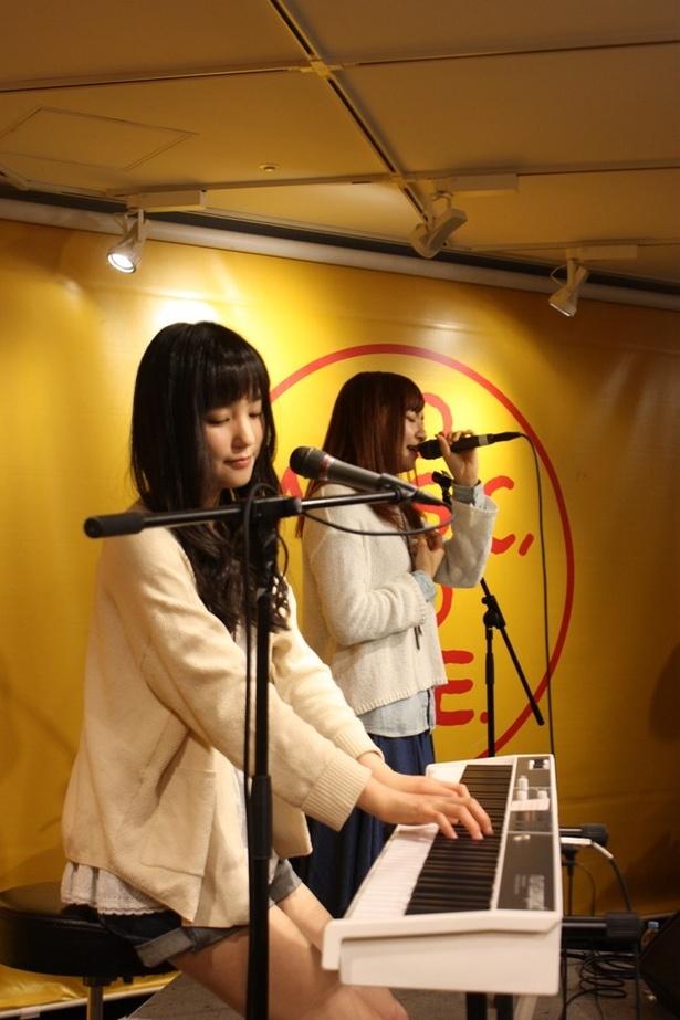 イベントは、メジャーデビューシングル「写真には残らないシュート」でスタート