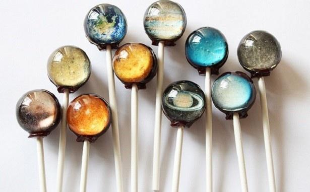 太陽系の星々をデザインした惑星キャンディ